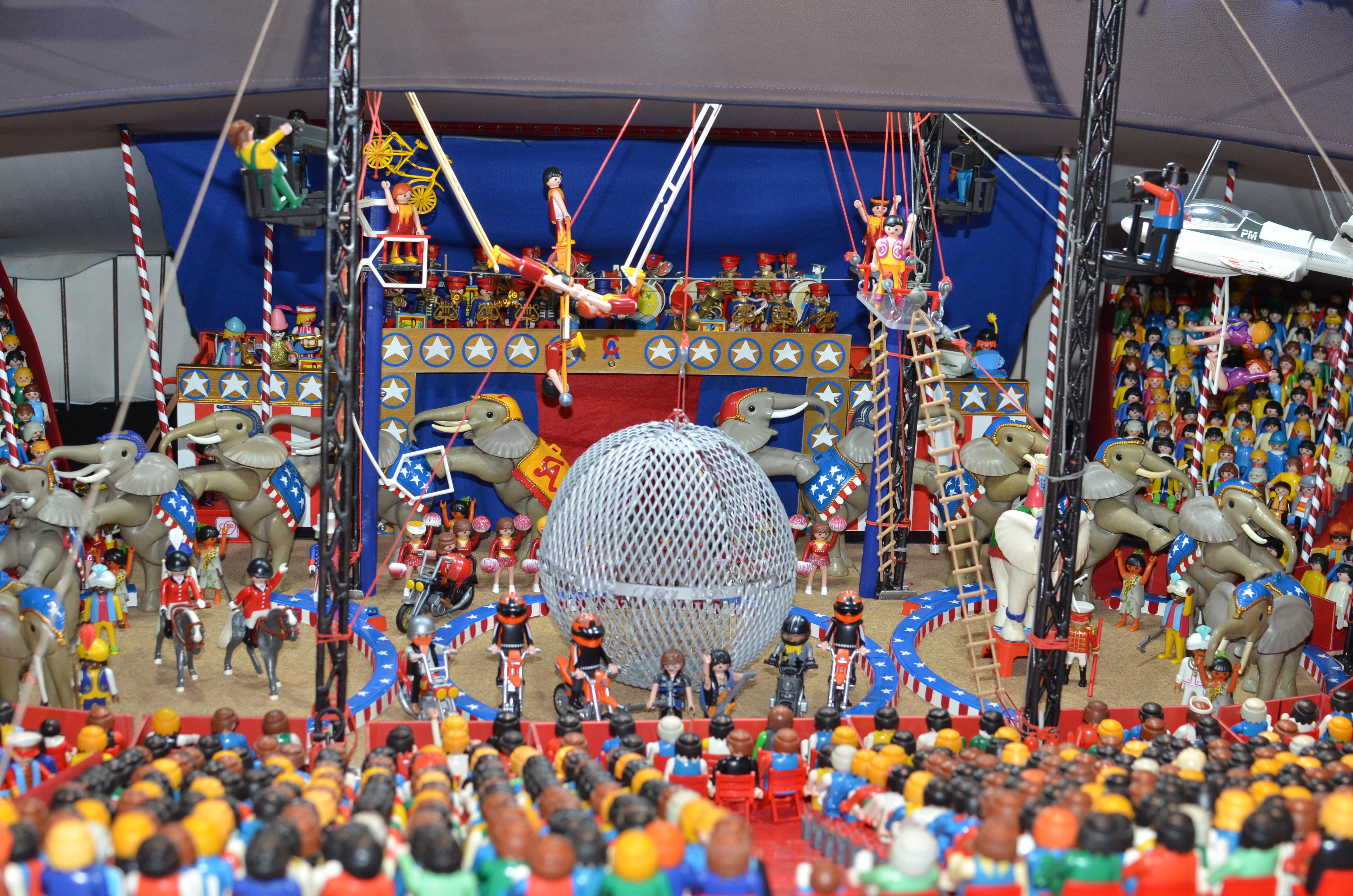 1200 figurines playmobil dans le cirque kids parc - Cirque playmobil ...