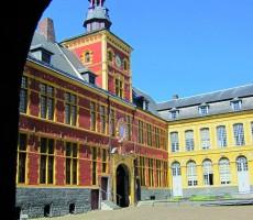 Cour d'honneur du musée de l'Hospice Comtesse Crédit Photo : Christophe Briatte