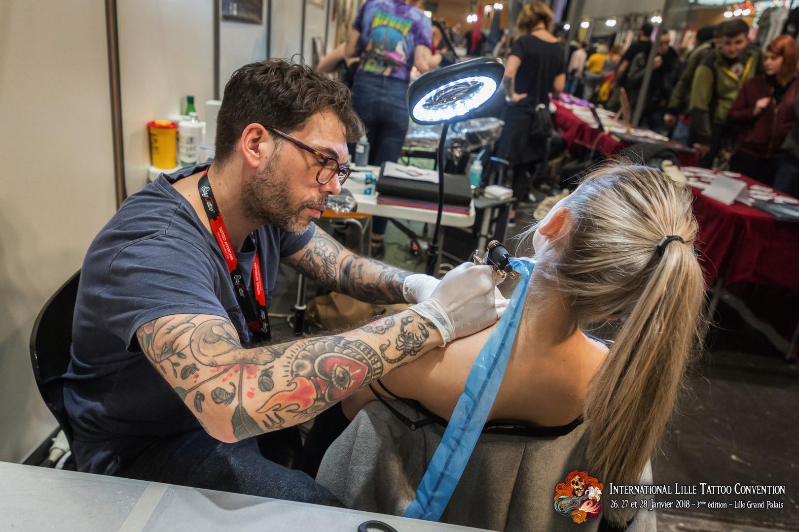 Impressionnante Et Tatouee L International Lille Tattoo Convention Est De Retour