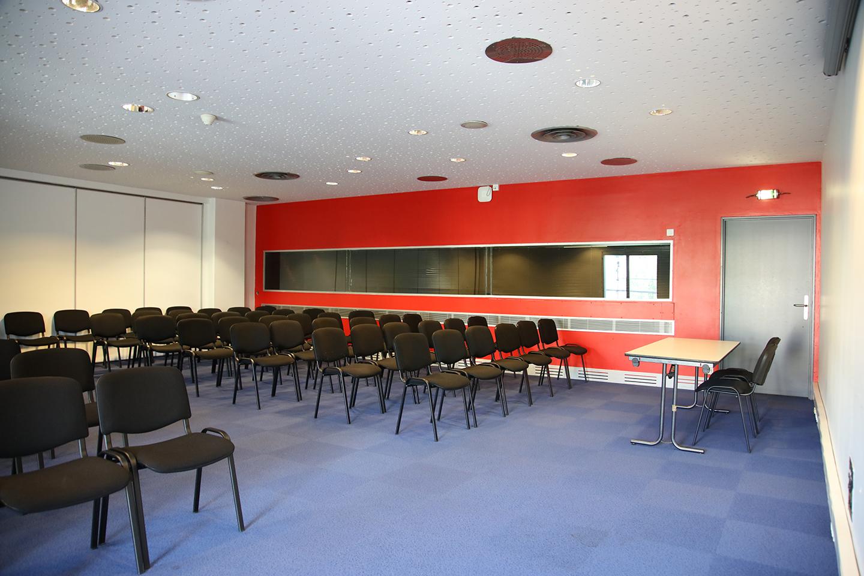 28 salles de commission